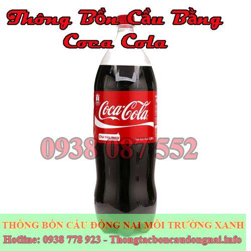 Thông bồn cầu bằng coca đơn giản, rẻ mà hiệu quả cao